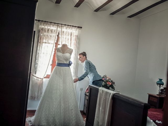 La boda de Ángel y Isabel en Requena, Valencia 12