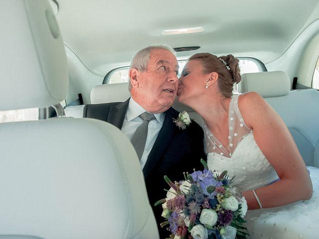La boda de Ángel y Isabel en Requena, Valencia 18