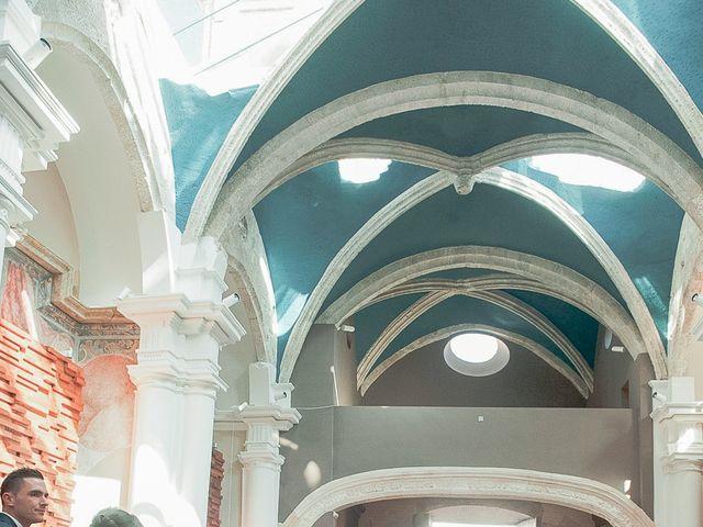 La boda de Ángel y Isabel en Requena, Valencia 22