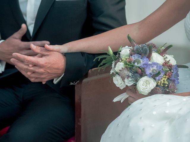 La boda de Ángel y Isabel en Requena, Valencia 24
