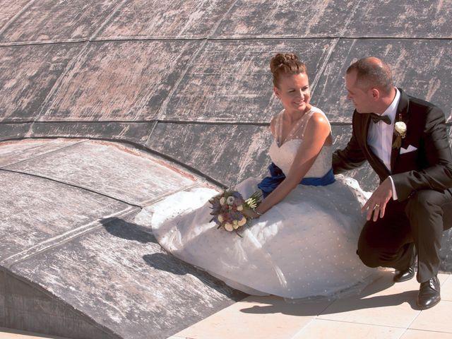La boda de Ángel y Isabel en Requena, Valencia 28