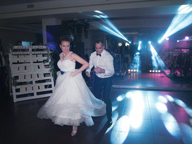 La boda de Ángel y Isabel en Requena, Valencia 45