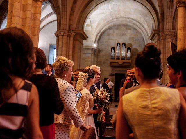 La boda de Alberto y Natalia en Villaverde De Pontones, Cantabria 15