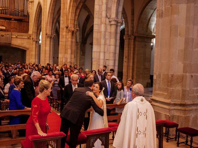 La boda de Alberto y Natalia en Villaverde De Pontones, Cantabria 16