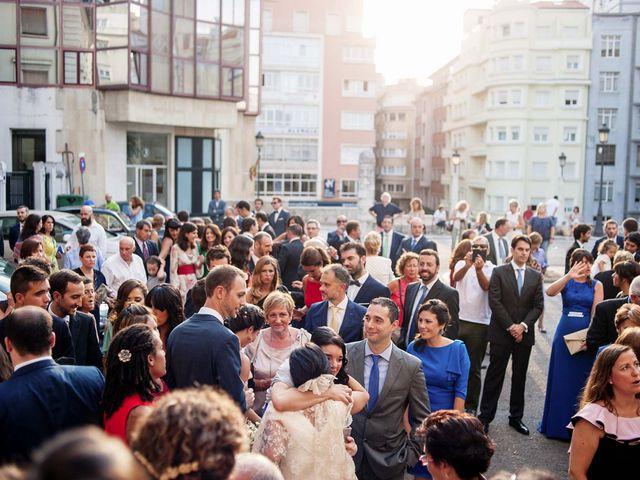 La boda de Alberto y Natalia en Villaverde De Pontones, Cantabria 30