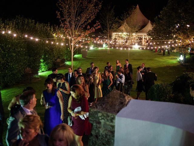 La boda de Alberto y Natalia en Villaverde De Pontones, Cantabria 71