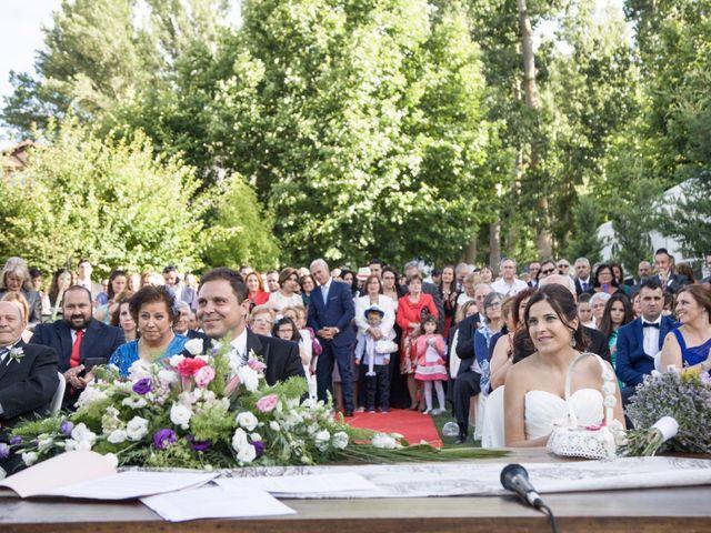 La boda de Víctor y Laura en Molina De Aragon, Guadalajara 46