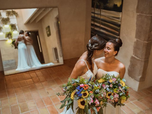 La boda de Ainara y Julia en Pueblo Sant Andreu Salou, Girona 12