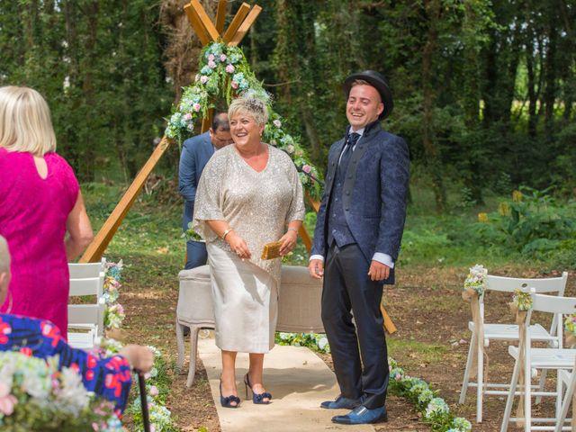 La boda de Edu y Rebeca en Ferrol, A Coruña 17