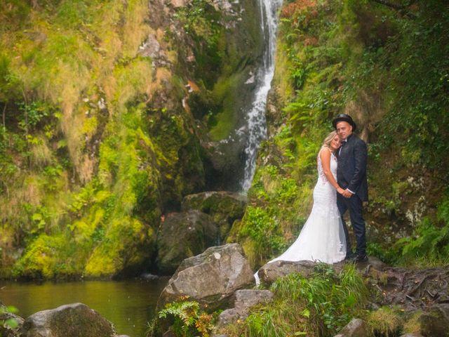 La boda de Edu y Rebeca en Ferrol, A Coruña 40