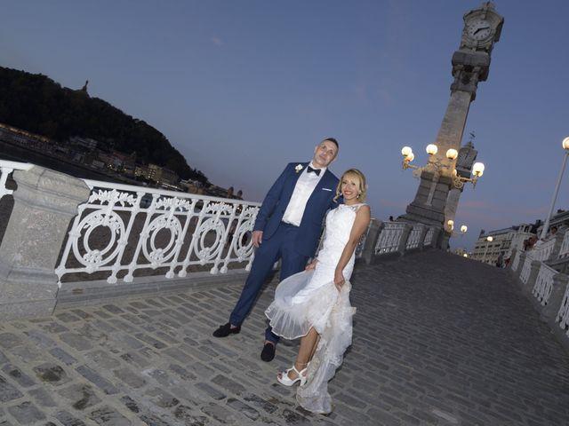 La boda de David y Astrid en Donostia-San Sebastián, Guipúzcoa 13