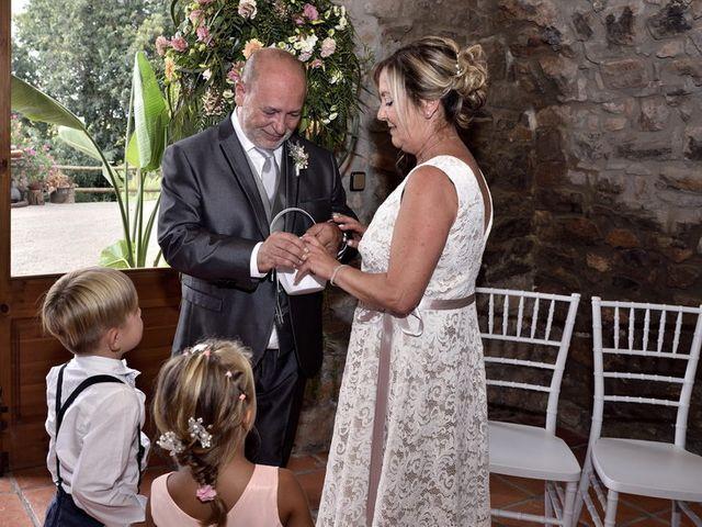La boda de Mª Angeles y Josep en Sallent, Barcelona 26