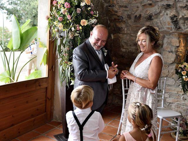 La boda de Mª Angeles y Josep en Sallent, Barcelona 27