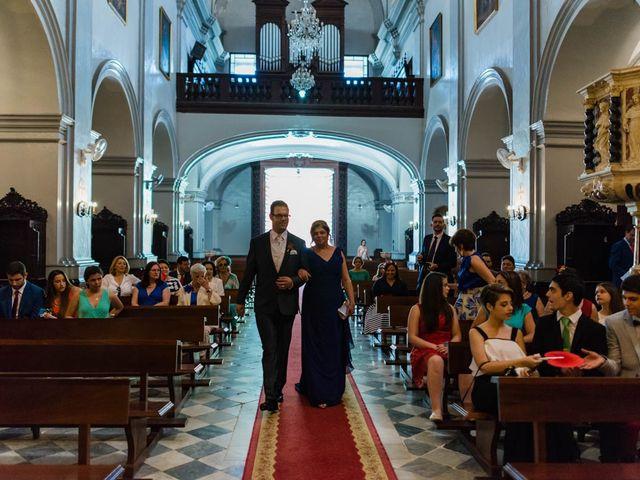 La boda de Miguel y Ana en Chiclana De La Frontera, Cádiz 15