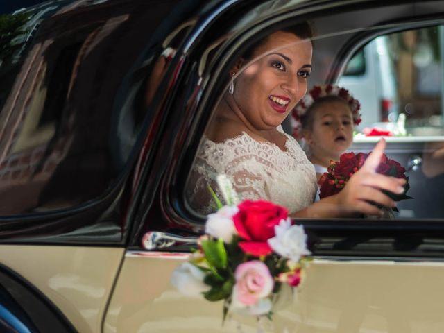 La boda de Miguel y Ana en Chiclana De La Frontera, Cádiz 16