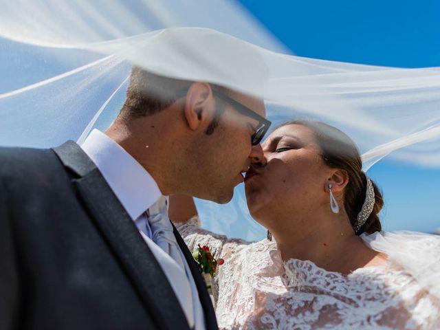 La boda de Miguel y Ana en Chiclana De La Frontera, Cádiz 27