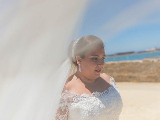 La boda de Miguel y Ana en Chiclana De La Frontera, Cádiz 28
