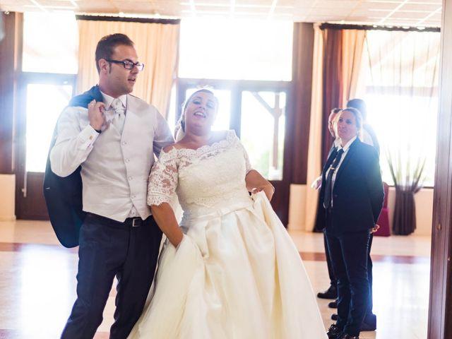 La boda de Miguel y Ana en Chiclana De La Frontera, Cádiz 33
