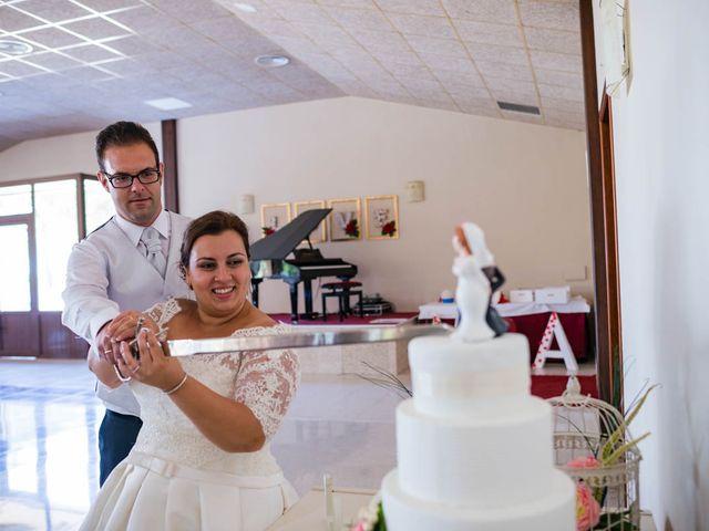 La boda de Miguel y Ana en Chiclana De La Frontera, Cádiz 37
