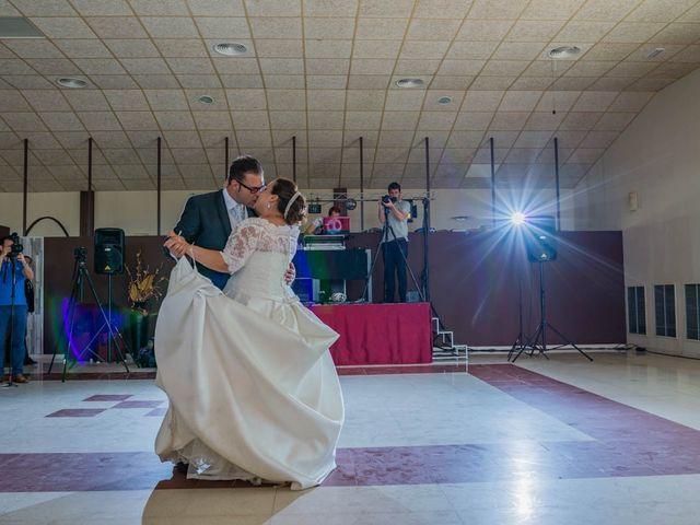 La boda de Miguel y Ana en Chiclana De La Frontera, Cádiz 40