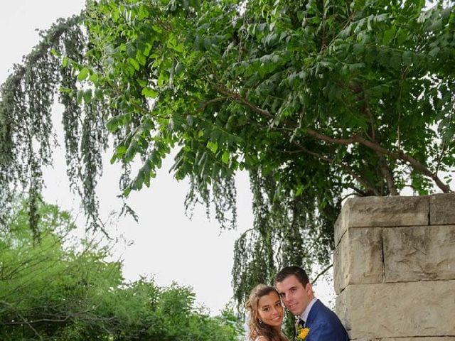 La boda de Cristian y Xènia en L' Hospitalet De Llobregat, Barcelona 1
