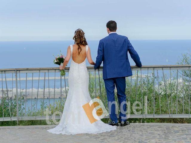 La boda de Cristian y Xènia en L' Hospitalet De Llobregat, Barcelona 3