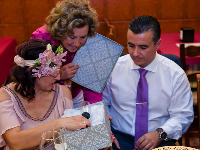La boda de Jose Manuel y Juani en Alcala De Guadaira, Sevilla 61