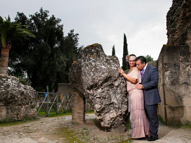 La boda de Jose Manuel y Juani en Alcala De Guadaira, Sevilla 104