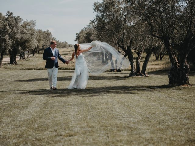 La boda de John y Zita en La Bisbal d'Empordà, Girona 25