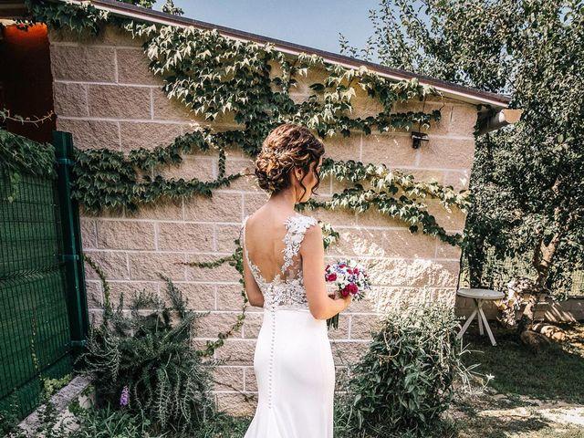 La boda de Fernando y Carla en Canedo, León 22