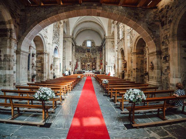 La boda de Fernando y Carla en Canedo, León 28