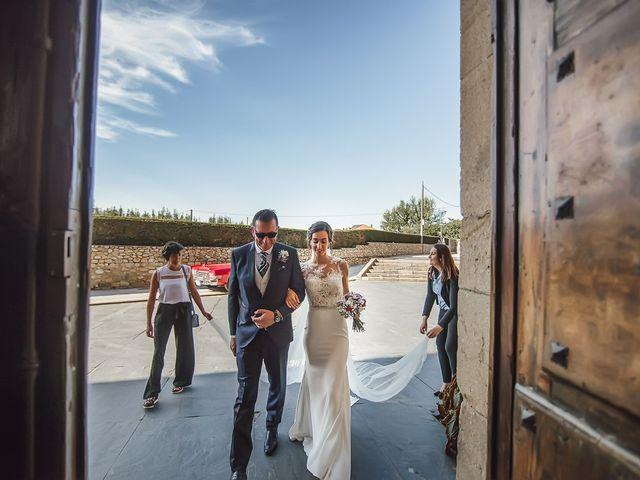 La boda de Fernando y Carla en Canedo, León 32