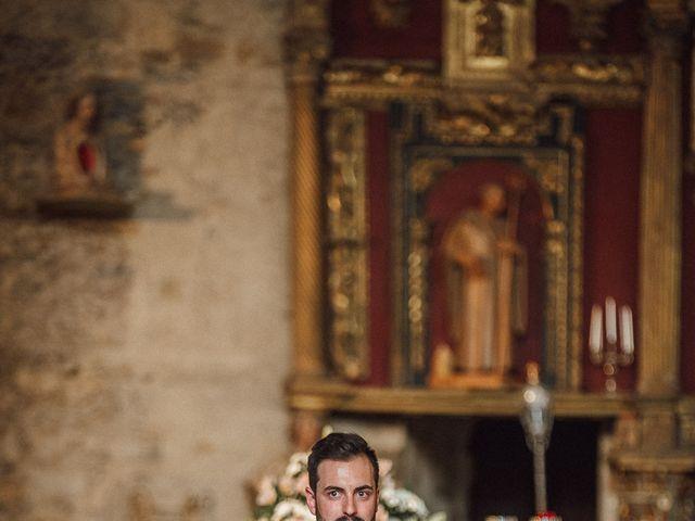 La boda de Fernando y Carla en Canedo, León 33