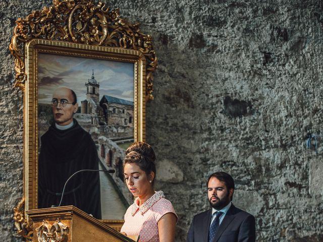 La boda de Fernando y Carla en Canedo, León 35