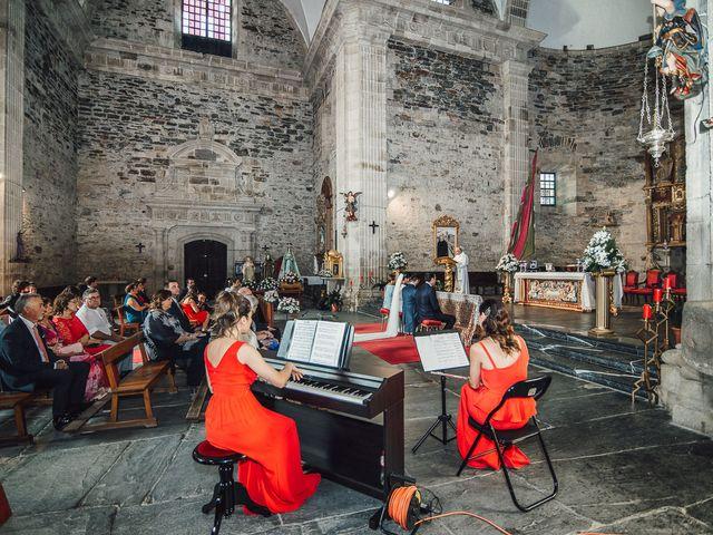 La boda de Fernando y Carla en Canedo, León 36