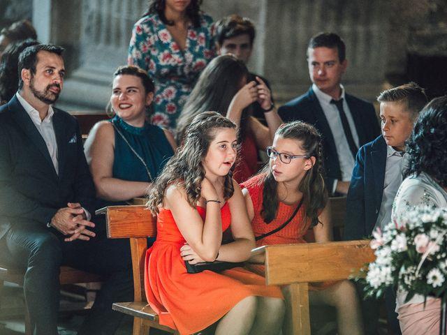 La boda de Fernando y Carla en Canedo, León 44