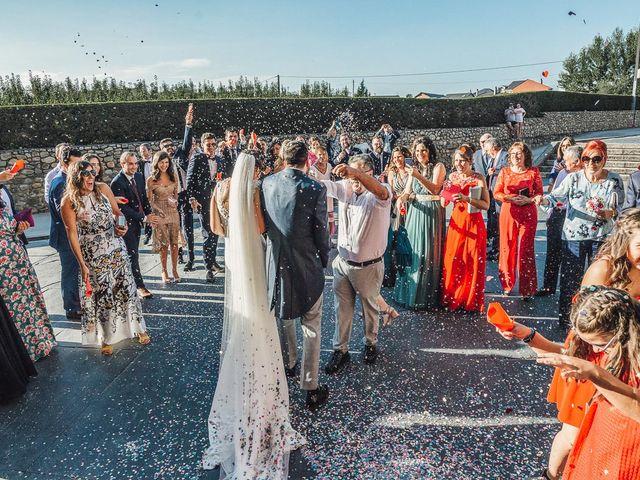 La boda de Fernando y Carla en Canedo, León 46