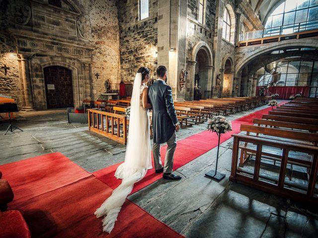 La boda de Fernando y Carla en Canedo, León 45