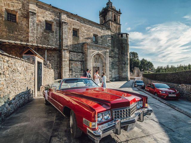La boda de Fernando y Carla en Canedo, León 48