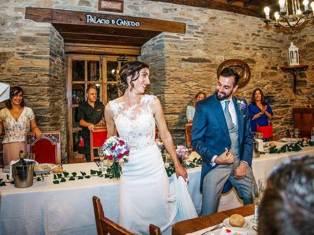La boda de Fernando y Carla en Canedo, León 73