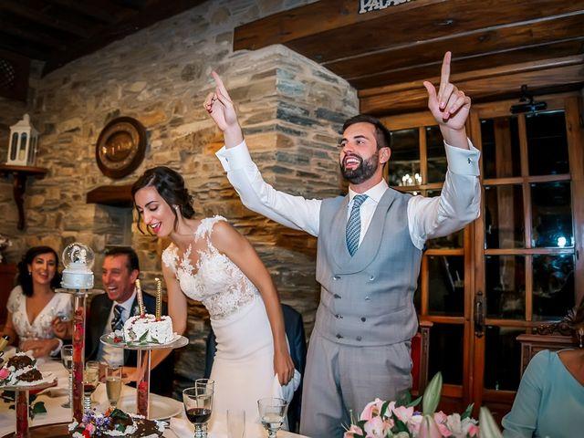 La boda de Fernando y Carla en Canedo, León 74