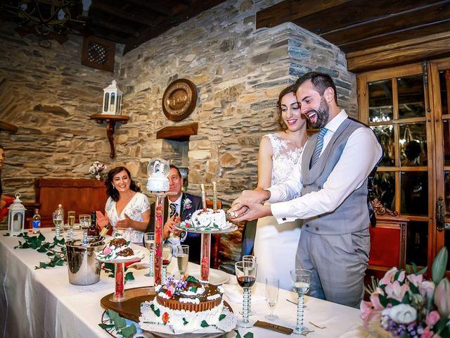 La boda de Fernando y Carla en Canedo, León 75