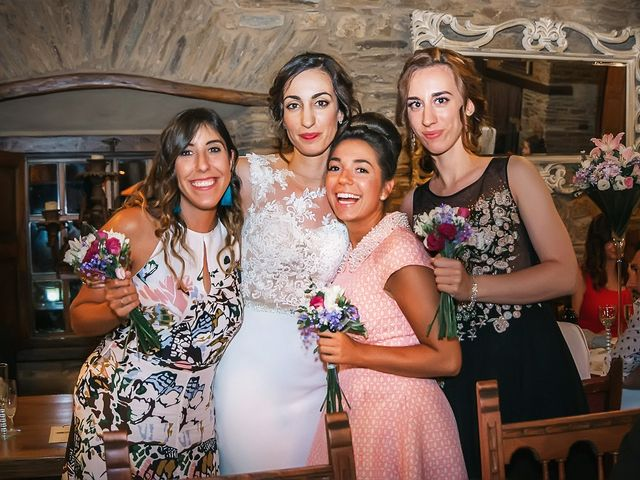 La boda de Fernando y Carla en Canedo, León 76