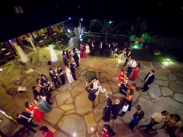 La boda de Fernando y Carla en Canedo, León 79