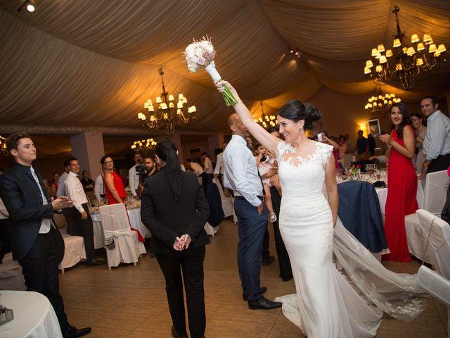 La boda de Leticia y Fran en Serradilla, Cáceres 24
