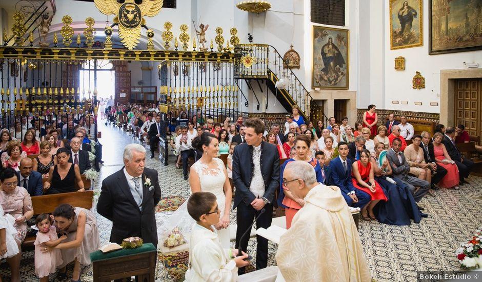 La boda de Leticia y Fran en Serradilla, Cáceres
