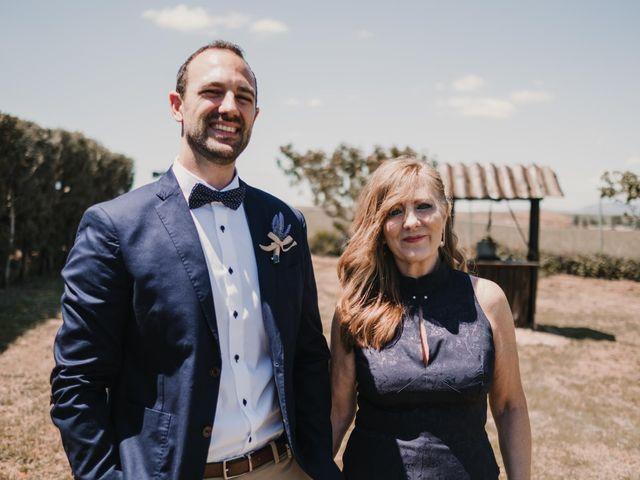 La boda de Víctor y María en Berlanga De Duero, Soria 55