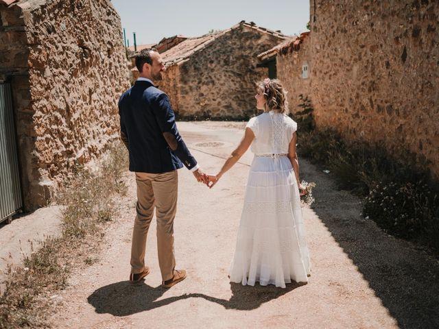 La boda de Víctor y María en Berlanga De Duero, Soria 102