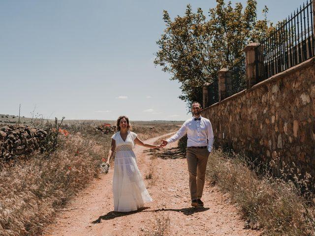 La boda de Víctor y María en Berlanga De Duero, Soria 111