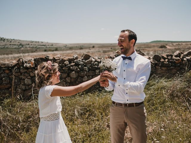 La boda de Víctor y María en Berlanga De Duero, Soria 114